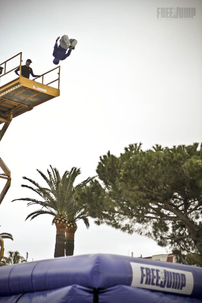 FreeJump - Acrobatie Gainer / coup de pied à la lune