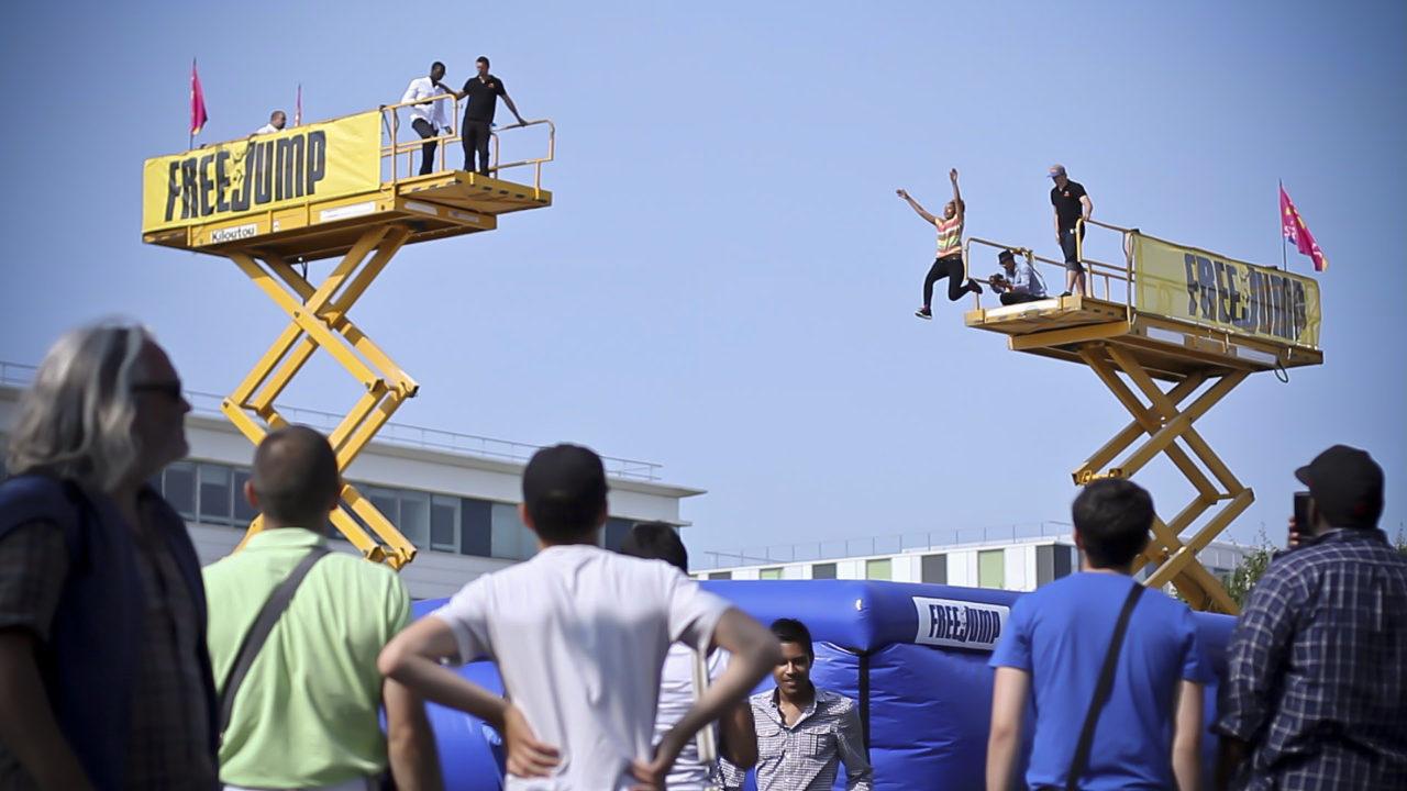 Freejump saut archives freejump for Le bureau carre senart