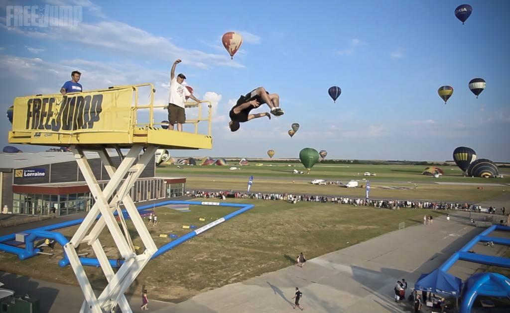 FreeJump - Renversant toutes ces montgolfières !